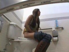 Brunette Finds A Dick in teh toilets!.