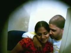 Indian teenage couple fucking secretly in net cafe