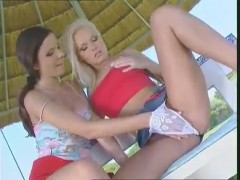 Gina & Peaches lesbian sex outside -.