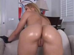 Kirra Lynne Brickhouse Butt Face Sitting