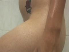 Latina en la ducha - HAIRY
