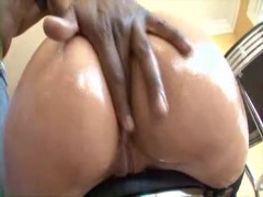 Hot Kelly Divine Bubblebutt Fucking