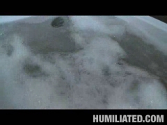 Gracie Glam Disgraced in Bathtub!